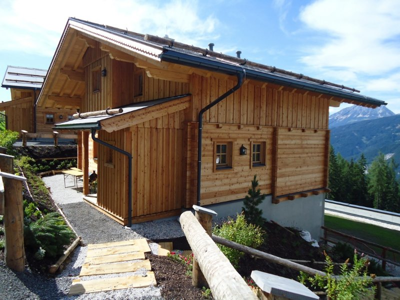 Familienurlaub in den bergen romantische chalets mitten for The alpine lodge