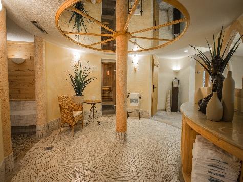 (c) Hotel Edelweiss & Gurgl