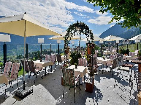 (c)  Hotel Waldfriede