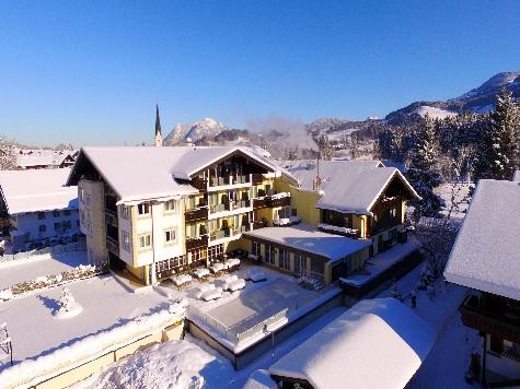 (c) Parkhotel Burgmühle